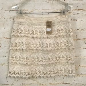 NWT AEO tiered crochet mini skirt 2 cream